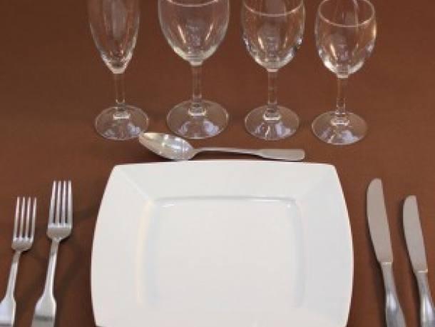 Vaisselle assiettes carrees - couverts prestiges villers bocage 14